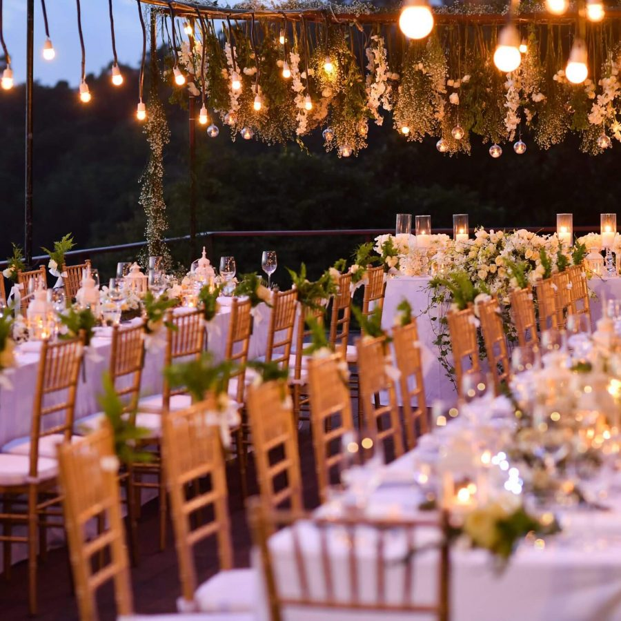tafelsetting op een trouwfeest